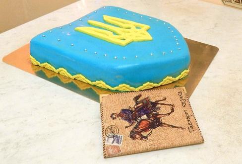 Торт и паспорт